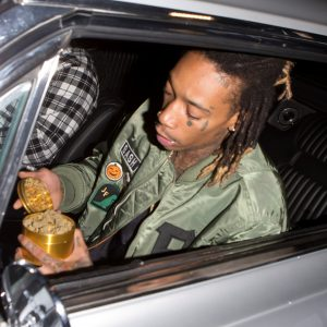 wiz-khalifa-marihuana-hollywood-8